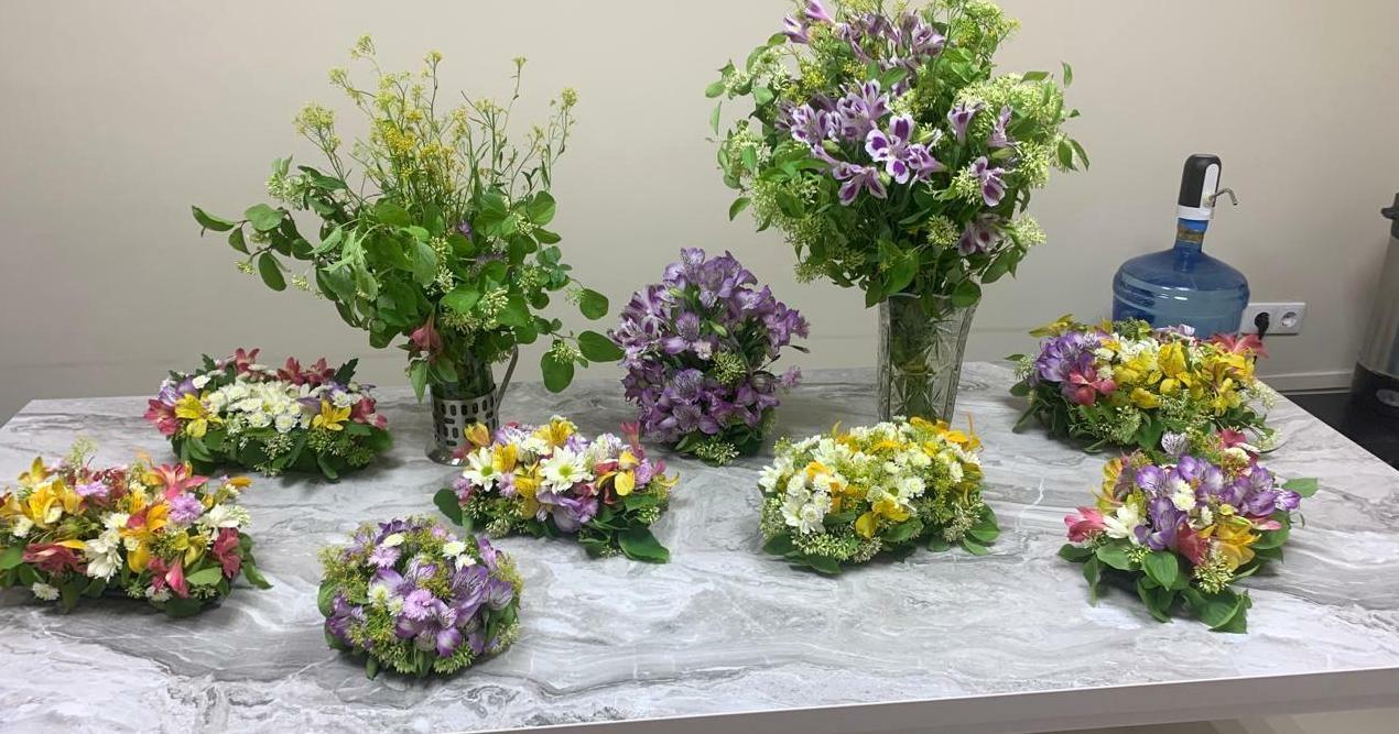 Ученицы воскресной школы изучили основы флористики