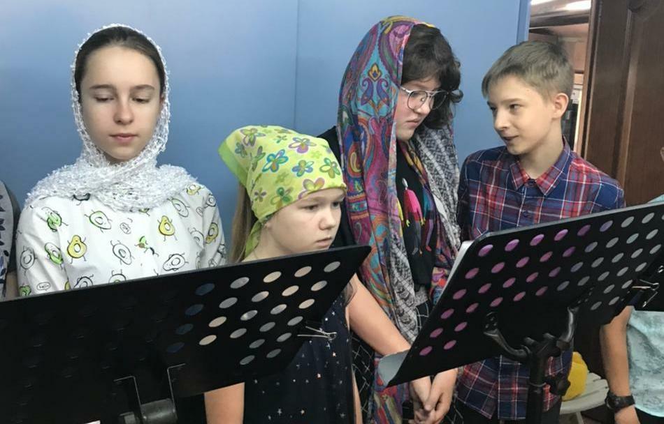 В Спиридоньевском храме служили «детскую» литургию