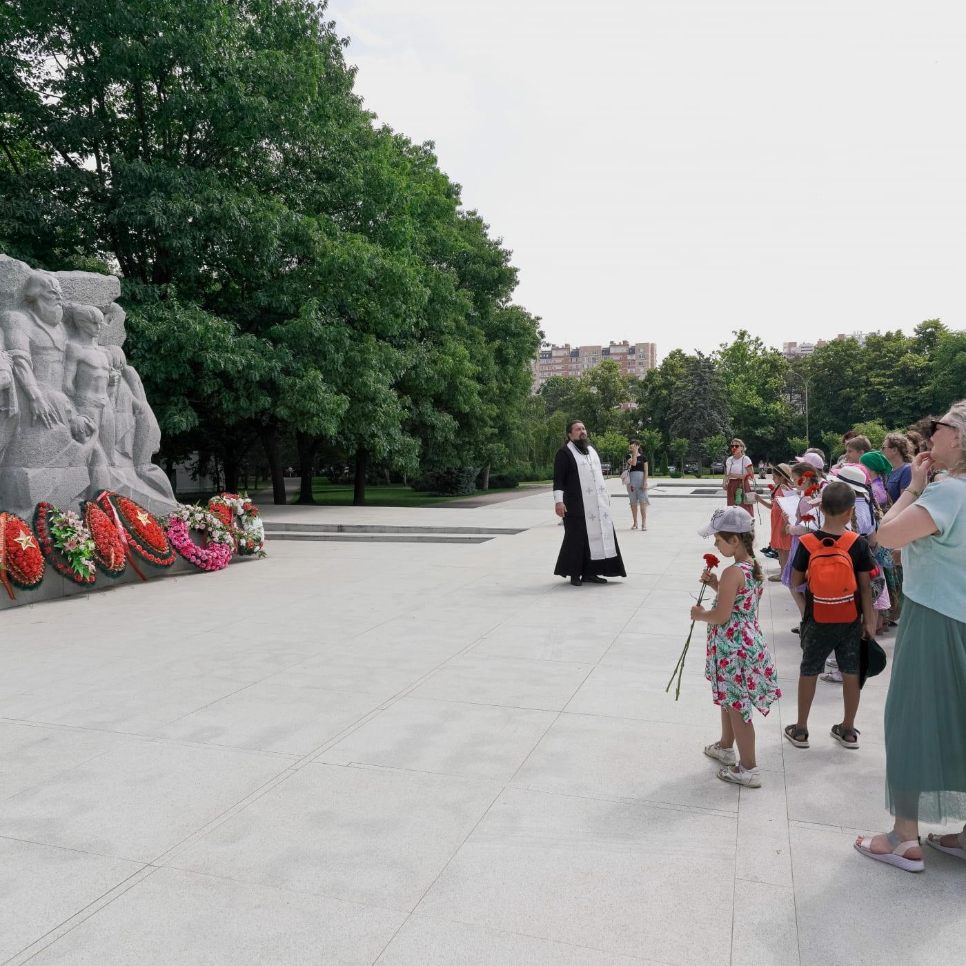 Ученики воскресной школы посетили мемориал жертвам фашистского террора